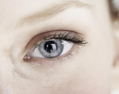 Lentes de contacto controlan la salud ocular
